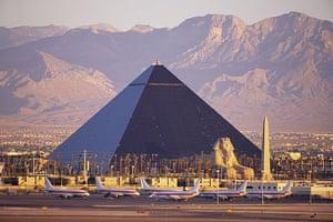 Funny buildings: Luxor Casino in Las Vegas