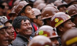 Supporters of Bolivia's president Evo Morales gather in La Paz, April 2009