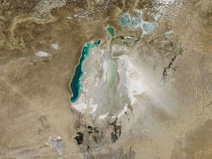 Satellite Eye on Earth: Dust plumes rose from desiccated lakebed sediments of the Aral Sea