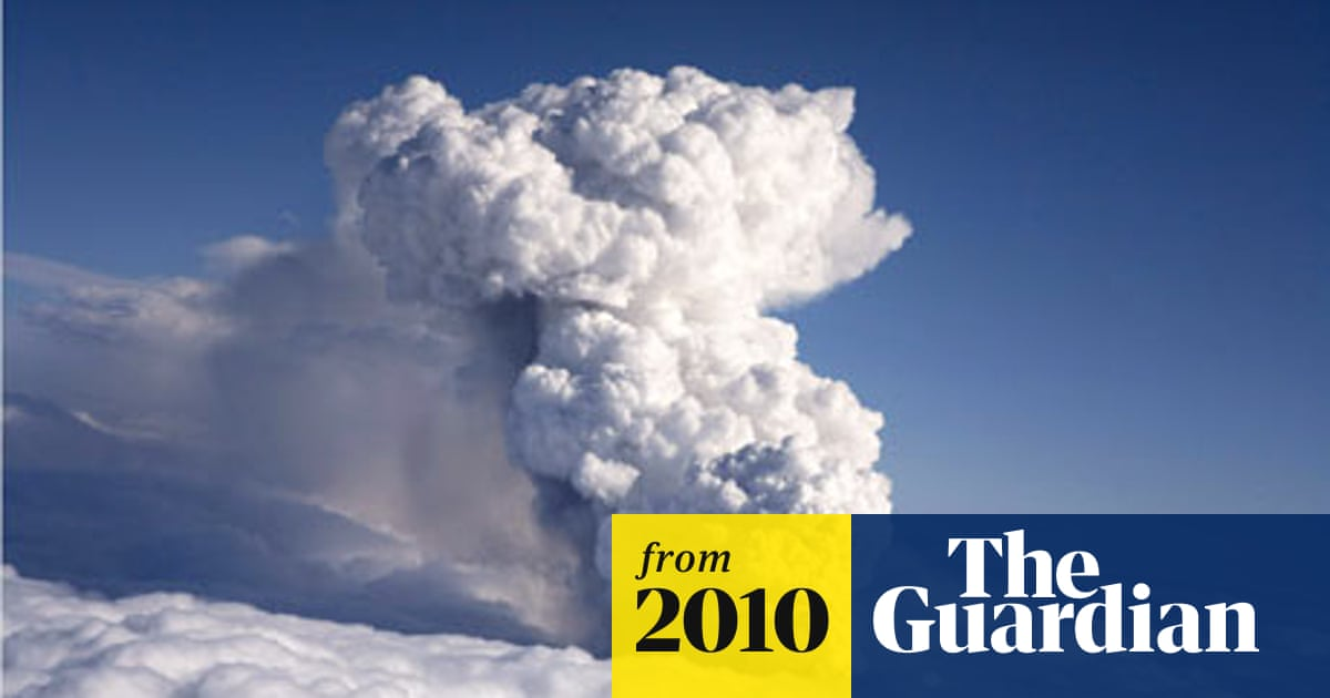 Iceland volcano: First came the floods, then the smell of