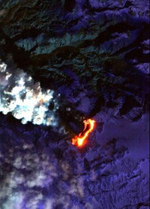 Icelandic volcano: Iceland's Eyjafjallajokull volcano