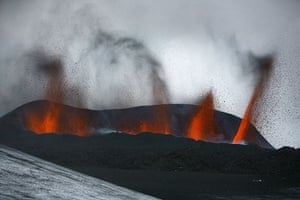 Icelandic volcano: Lava spews out of a mountain on March 21