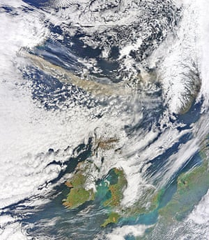 Volcano disruption: The volcanic ash plume travelling from Iceland