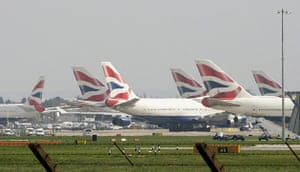 Volcano disruption: Grounded airplanes at Heathrow airport, London