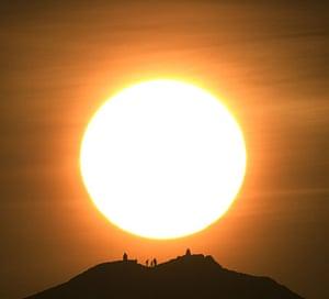 Volcanic sunsets: Sunset over Edinburgh