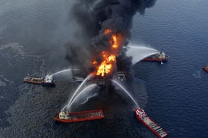 Deepwater Horizon oil rig: boats hose down the fire