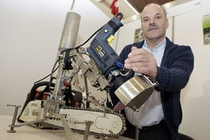 Exhibition of Inventions: Ricardo Matias with his invention - a disc for sharpening chain saws