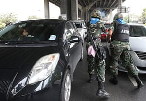Thailand protests: Soldiers open fire at anti-government protesters in Bangkok