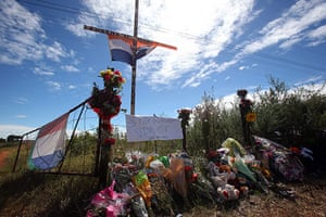 TerreBlanche: Messages adorn the entrance of farm of Eugene Terre'Blanche