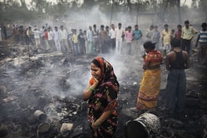 24 hours in pictures: fire  in Ghazipur