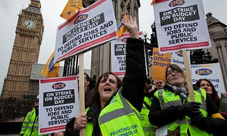Civil sevants strike over redundancy pay outside parliament on budget day
