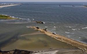 Deepwater Horizon: Gulf Oil Spill Begins To Reach Land :