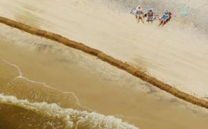 Deepwater Horizon: Gulf Oil Spill Begins To Reach Land  : on Dauphin Island, Alabama