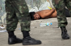 thailand clashes: Troops and anti-government protesters clash in Bangkok
