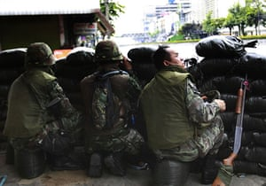 thailand clashes: Thai soldiers take up positions in Bangkok