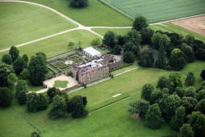 grace and favour houses: Chequers, country residence of the Prime Minister