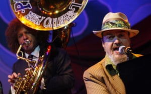 Deepwater Horizon: Oil spill reaches Louisana coast :  Dr. John performs during Gulf Aid