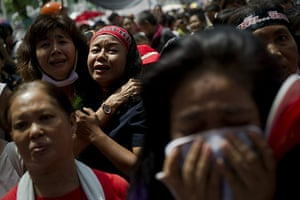 red shirt protesters: Anti-government leaders announce their surrender