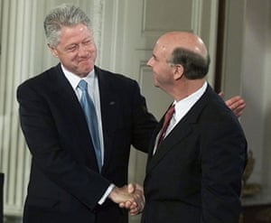 Craig Venter: President Clinton shakes hands with Craig Venter
