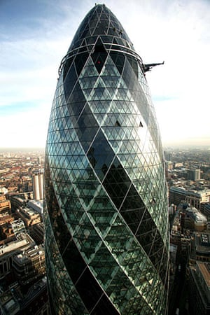 Norman Foster: The Swiss Re building designed by Norman Foster and Partners