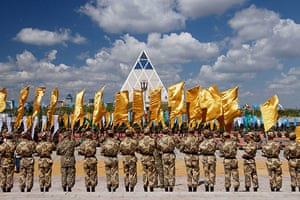 Norman Foster: The Pyramid of Peace, Kazakhstan, by Norman Foster and Partners