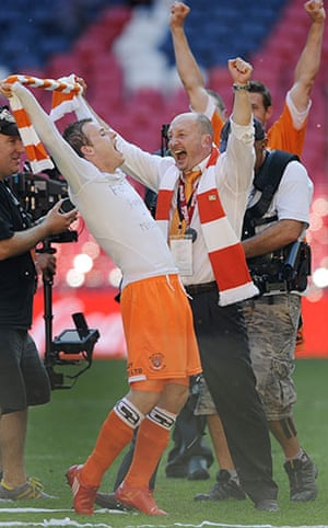 Play Off Final: Blackpool manager Ian Holloway celebrates with sub Barry Bannan
