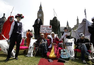 state opening: Protesters outside the Palace of Westminster