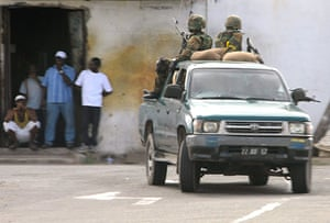 jamaica violence: Jamaica Defence Force atrol a section of western Kingston