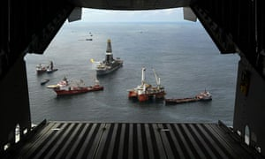 View from plane of ships gathered round the Discover Enterprise rig in the Gulf of Mexico