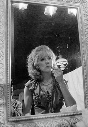 Lynn Redgrave: Actress Lynn Redgrave applies makeup prior to the bar scene
