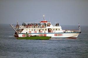 Gaza flotilla attacks: Israeli Navy soldiers raid a ship