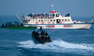 Israeli forces approach one of six ships bound for Gaza