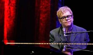 Elton John egypt