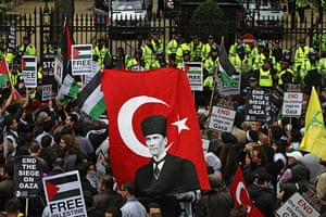 Israel protests: Pro-Palestinian supporters gather in London