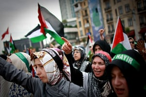 Israel protests: Turkish Islamic protesters shout slogans in Istanbul