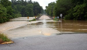 Arkansas floods: High waters reach the Arkansas 240 bridge