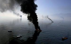 BP oil spill: Deepwater Horizon oil spill:  a controlled burn of spilled oil