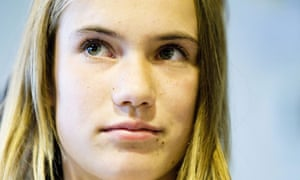 Laura Dekker, 14, attempting solo sail around the world