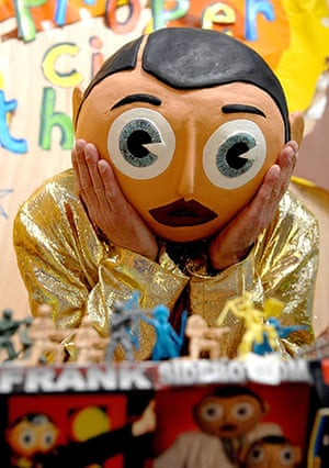 Frank Sidebottom: 2008: Frank Sidebottom poses with his toys