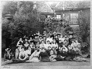 Hancox House: East End girls on a visit to Hancox in the 1890s