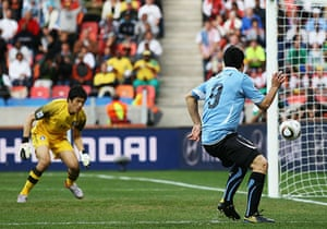 Knockout stages day 1: Luis Suarez opens the scoring
