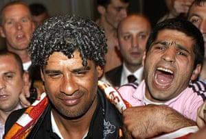 Rafa's Replacements: Frank Rijkaard is welcomed by Galatasaray soccer fans