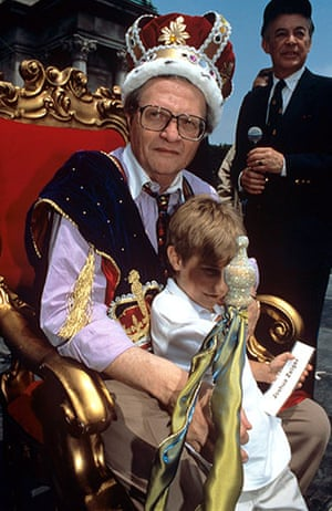 Larry King retires: 1995: Larry King Crowned King of Brooklyn in New York