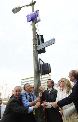 Larry King retires: 2008: Larry King Square dedication at The CNN Building in Hollywood