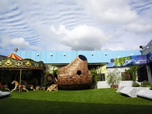 Big Brother 11 House : The garden surrounding the new Big Brother 11 house