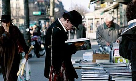 Booksellers in Paris's Latin Quarter