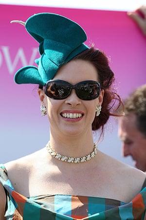 Epsom Derby 2010: Headwear