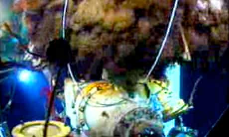 Video of the underwater leak around the cap on the Deepwater Horizon well