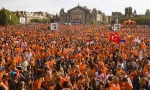 Durrtch fans watch world cup semi-final