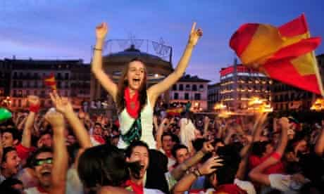 Spanish cans celebrate victory over Germany